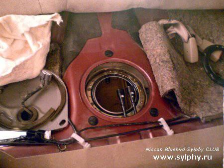 Замена топливного фильтра на 2WD Sylphy