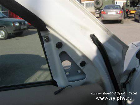 Подогрев зеркал на Nissan Bluebird Sylphy