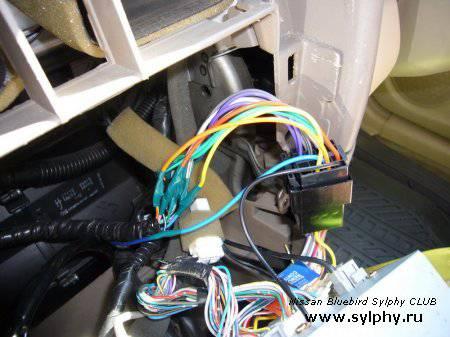 Установка усилителя и сабвуфера. Прокладка проводов.