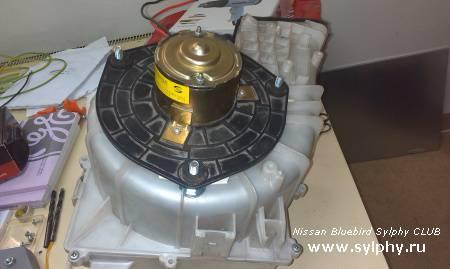 Еще один вариант установки мотора печки от ВАЗ-2110.